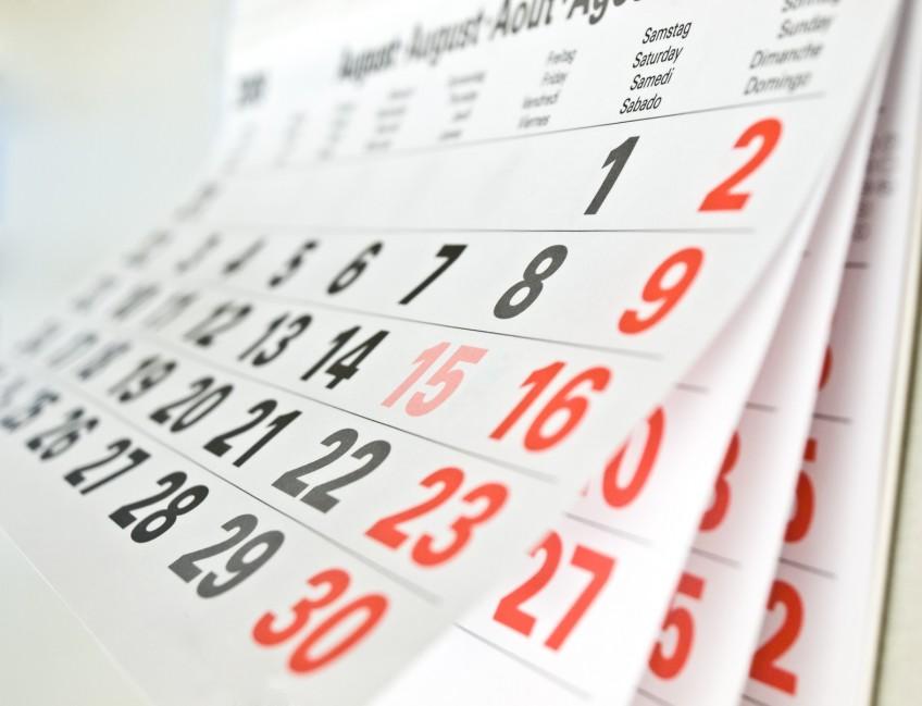 Monatskalender, Wandkalender, aufgeblättert