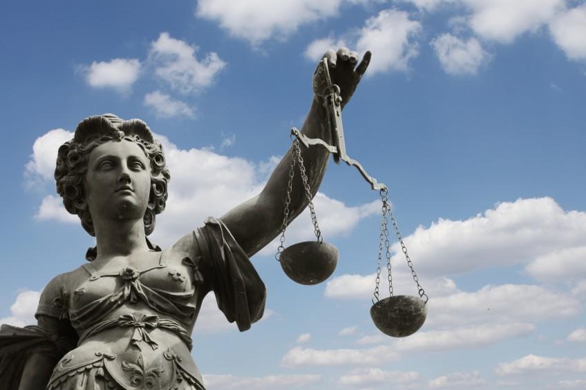 Justitia-Standbild