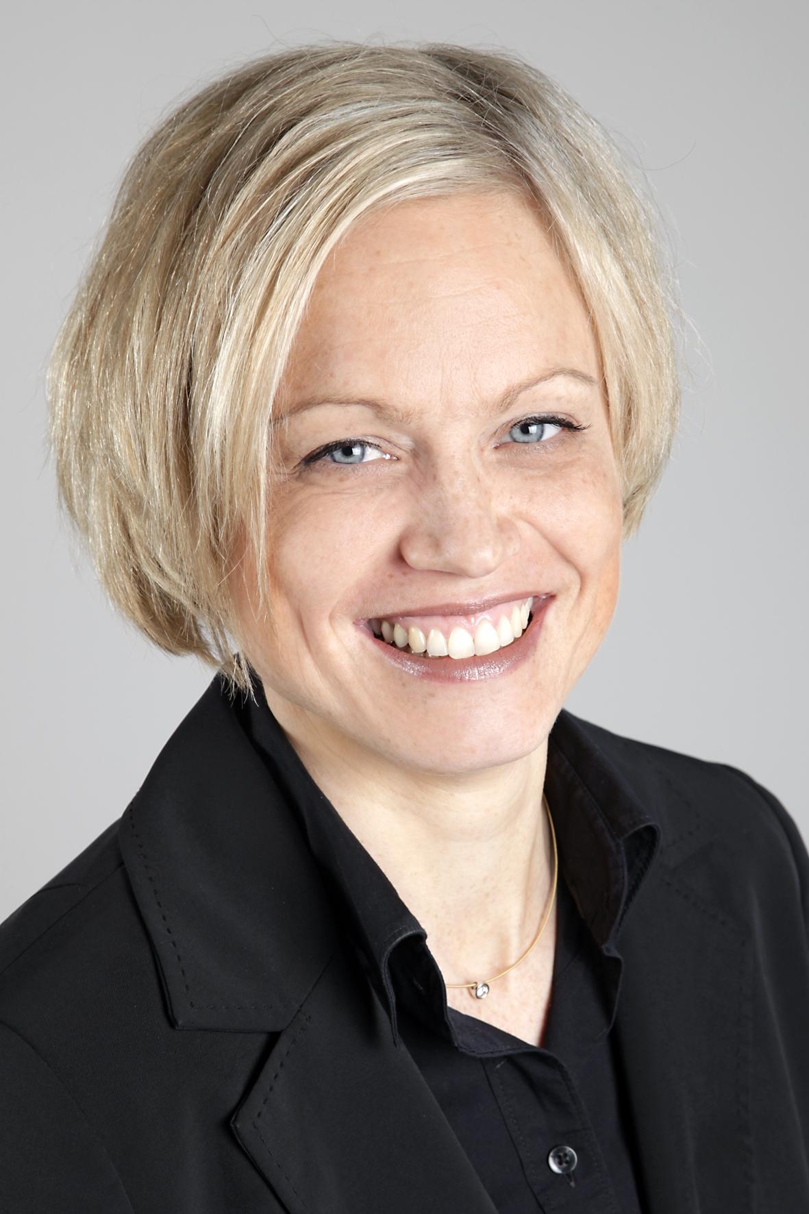 Porträtfoto von Tanja Tonak von der WEG-Verwaltung der Wohnbau Service