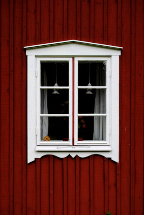 Die WEG-Verwaltung bemerkte die neuen Fenster an der Hausrückwand nicht.